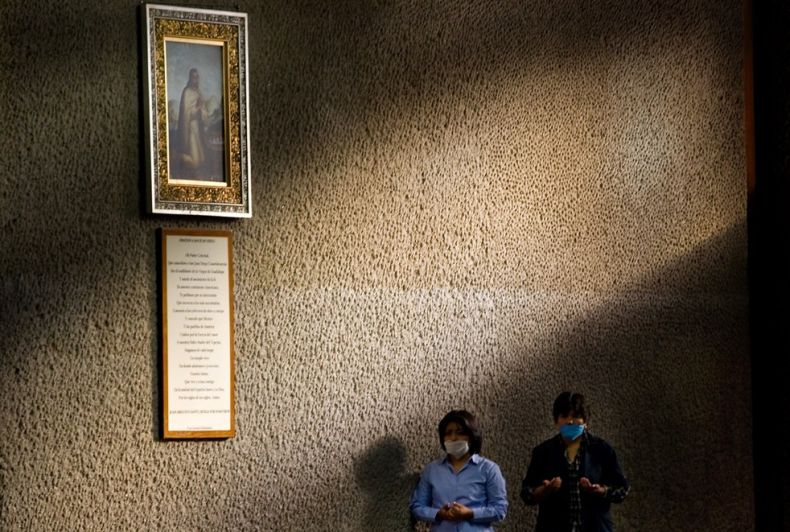 Эпидемия свинного гриппа в Мексике (21 фото)