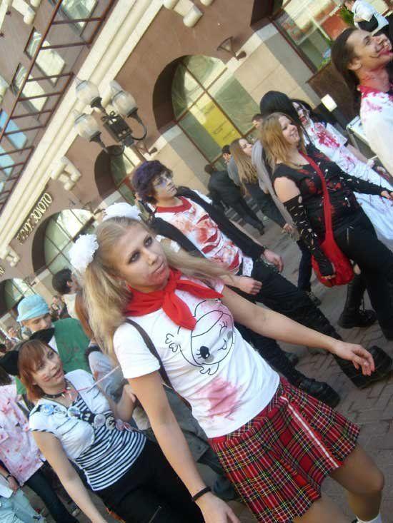Парад зомби в Москве (10 фото)