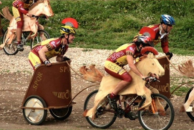 Современные колесницы (4 фото)