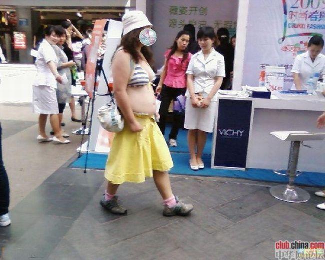 Как китаянка других китайцев шокировала (6 фото)