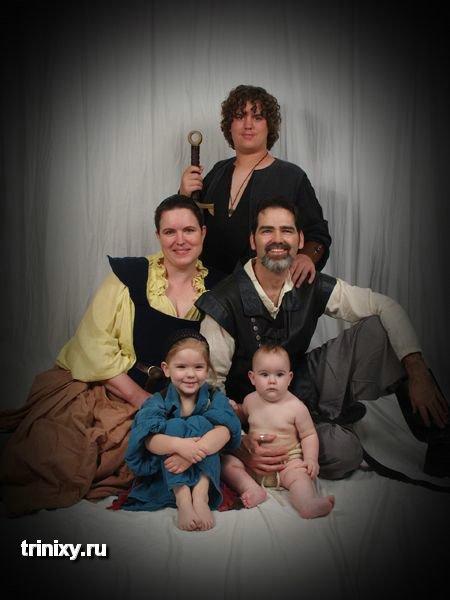 Смешные семейные фотографии (32 фото)