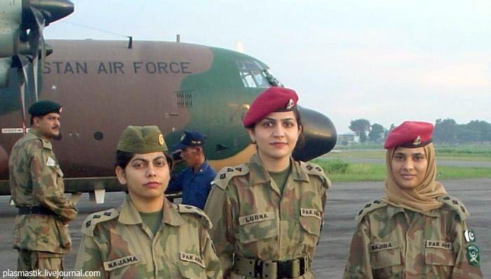 Девушки в армии (71 фото)