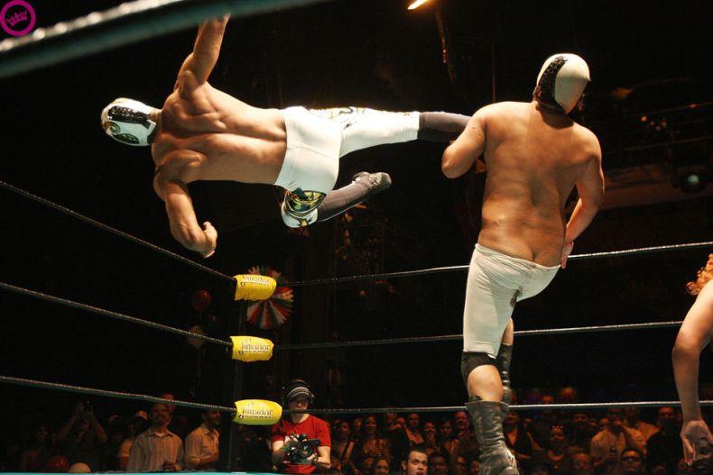Суровые мексиканские борцы (19 фото)