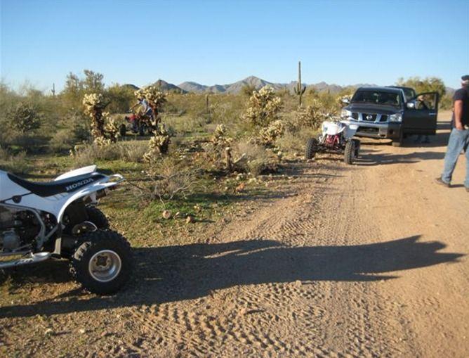 Почему не стоит попадать в аварии в пустыне (5 фото)