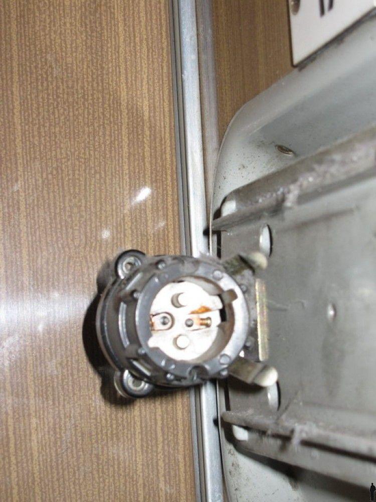 Как зарядить ноутбук в поезде (4 фото)