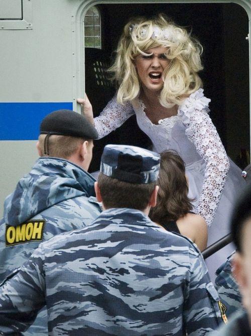 Гей-парад 2009 в Москве (18 фото)