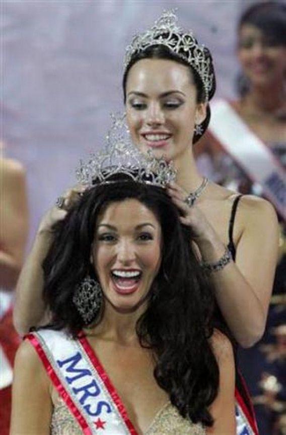Эмоции королев красоты (28 фото)