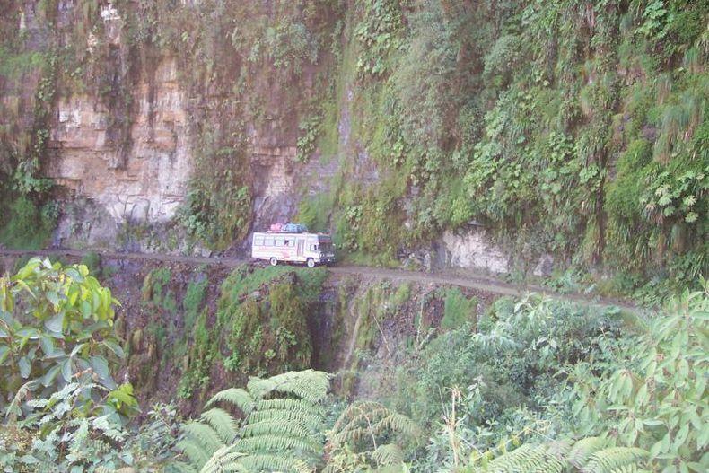 Дорога смерти в Боливии (43 фото)