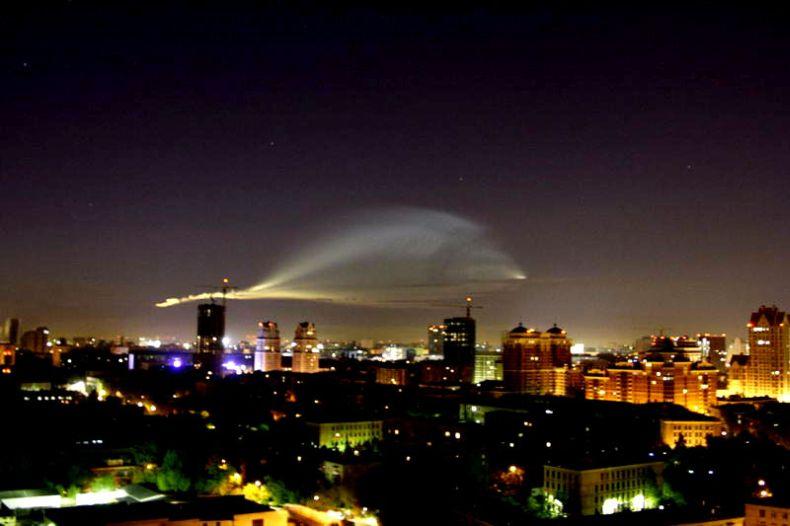 НЛО над Москвой (13 фото)