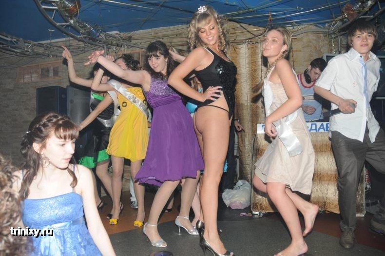 Euro teen brunette gets rammed