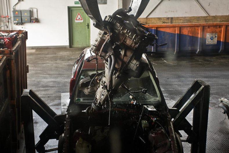 Центр по демонтажу и рециркуляции автомобилей BMW в Мюнхене (17 фото)