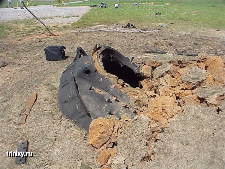 Что остается от танка после противотанковой ракеты (14 фото)