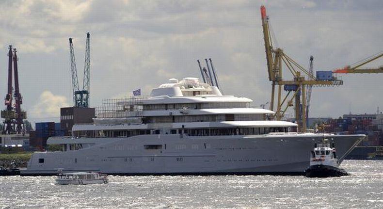 Eclipse - новая яхта Абрамовича (6 фото)