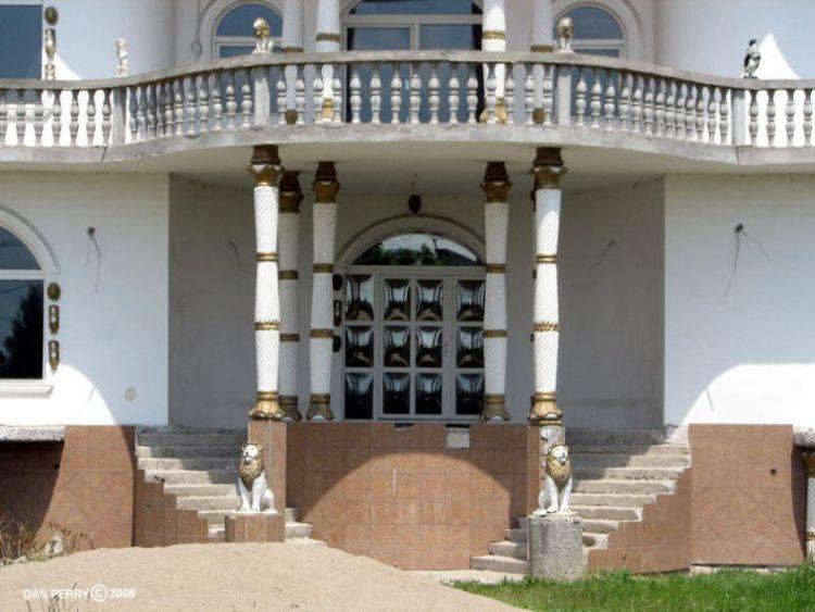 Дома цыганских баронов (31 фото)