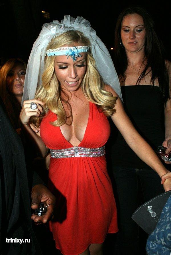 Невеста с правильным декольте (10 фото)