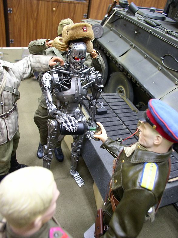 http://trinixy.ru/pics4/20090622/terminator_19.jpg
