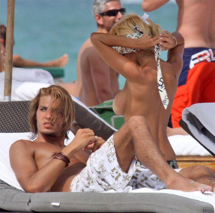 Shauna Sand на пляже топлесс (13 фото) НЮ