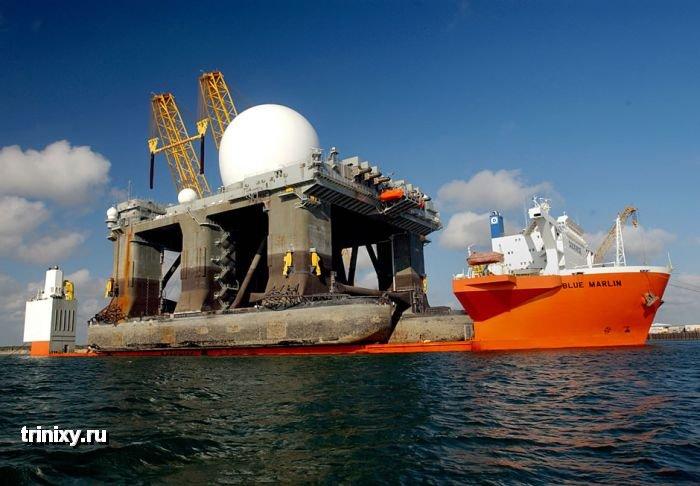 Первый в своем роде плавучий радар X-Band Radar (10 фото)