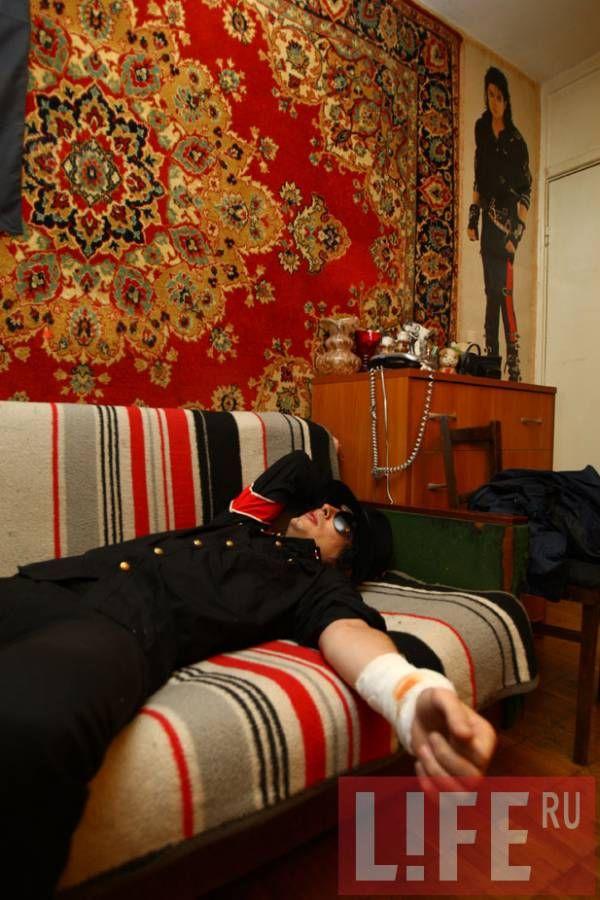 Русский двойник Майкла Джексона пытался себя убить (4 фото)