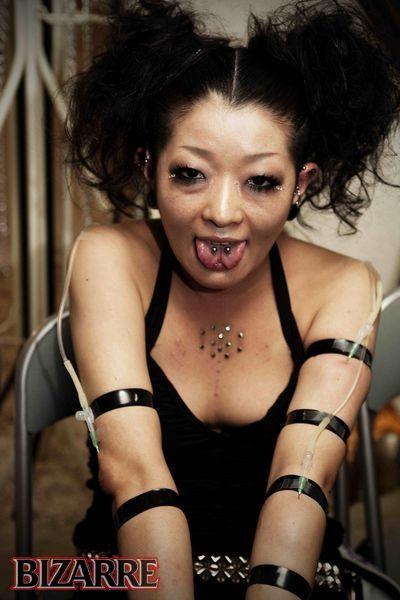 Сумасшедшая японская мода (18 фото)