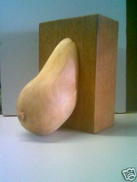 Деревянная грудь на продажу (9 фото)