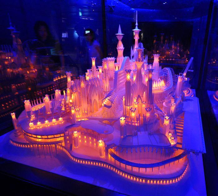 Замок из бумаги в Токио (11 Фото)