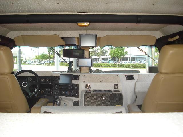 Сумасшедший тюнинг Hummer (19 фото)