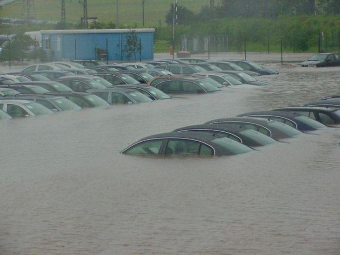 Подтопленные машины (38 фото)