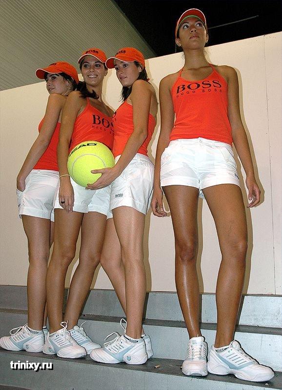 Мадридские девушки с мячиками (41 фото)