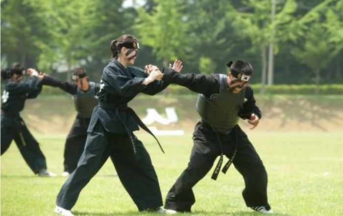 Южно-корейские каратистки (9 фото)