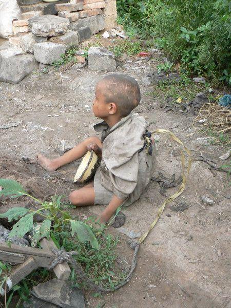 Жесть. Дети в китайских селах (6 фото)