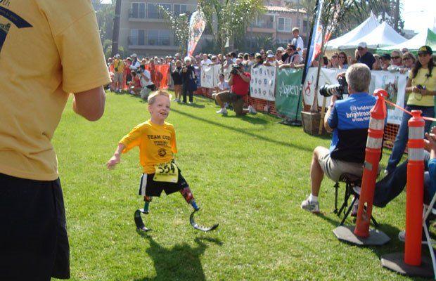 Удивительный мальчик Коди МакКаслэнд (13 фото)