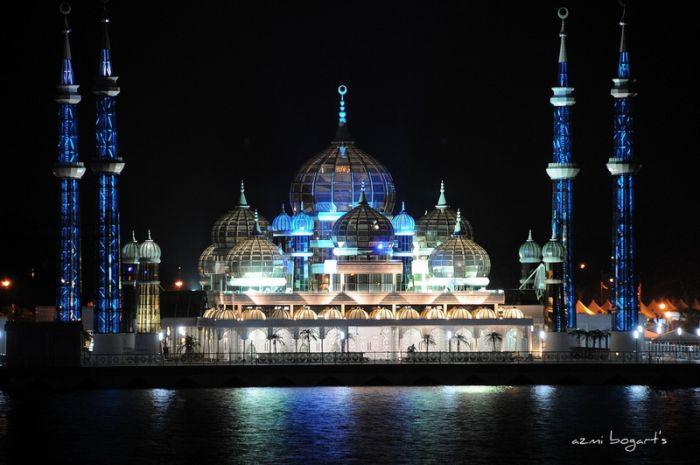 http://de.trinixy.ru/pics4/20090731/mosque_47.jpg