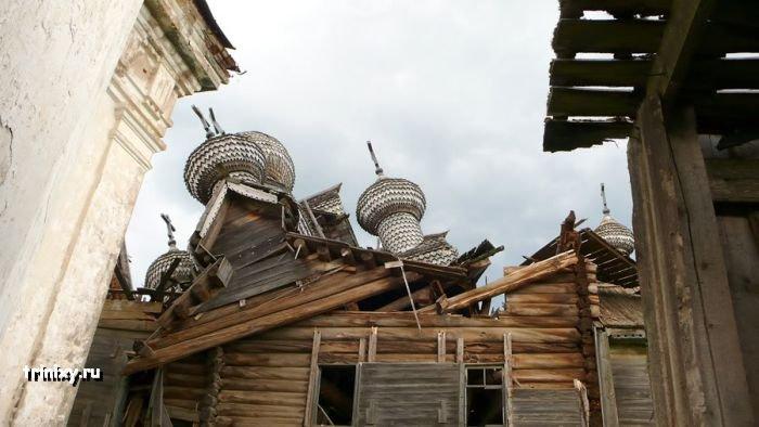 Упавшая церковь в Палтоге (5 фото)