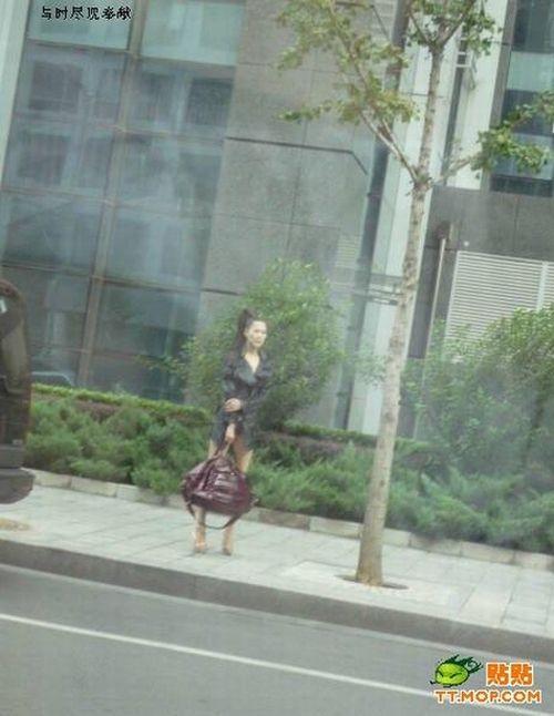Пекинская девушка в симпатичном наряде (4 фото)