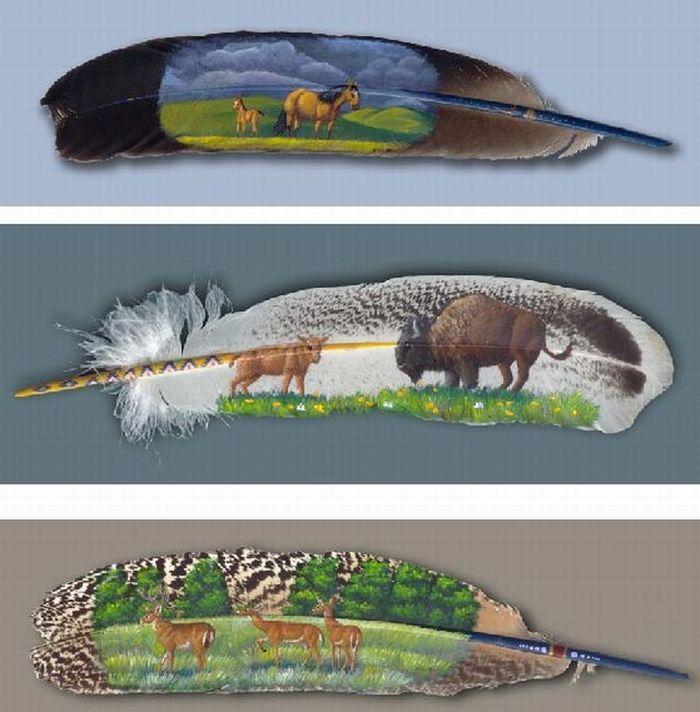 Рисунки на перьях (10 фото)