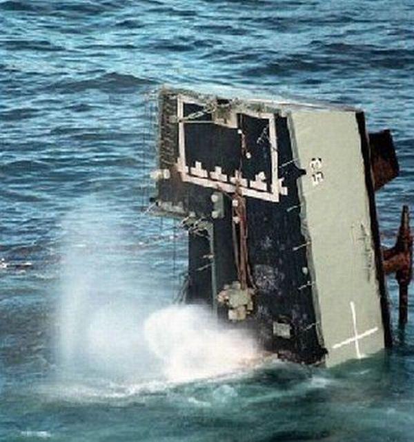 Как топят корабли (10 фото)