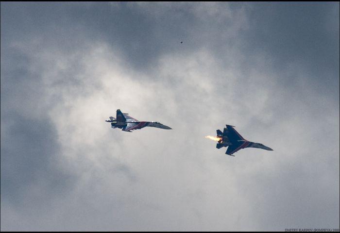 Столкновение истребителей Су-27 (12 фото)