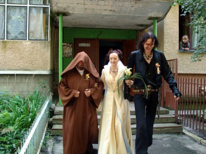 http://trinixy.ru/pics4/20090819/star_wars_wedding_05.jpg