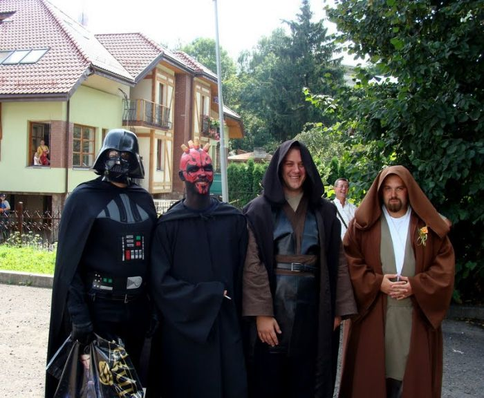 http://trinixy.ru/pics4/20090819/star_wars_wedding_13.jpg
