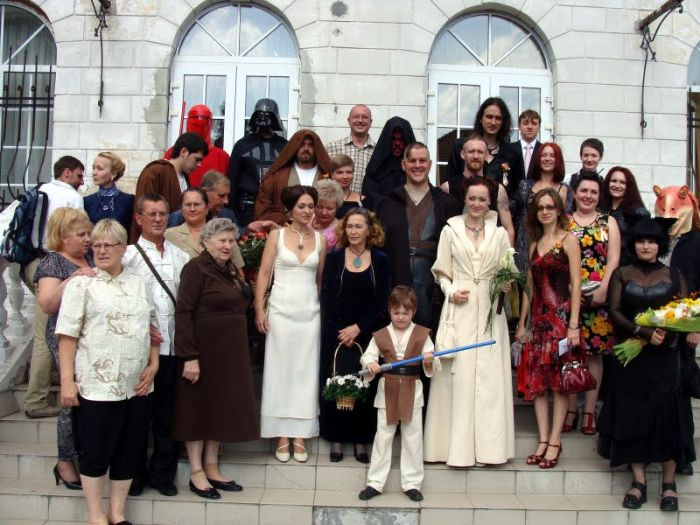 http://trinixy.ru/pics4/20090819/star_wars_wedding_18.jpg