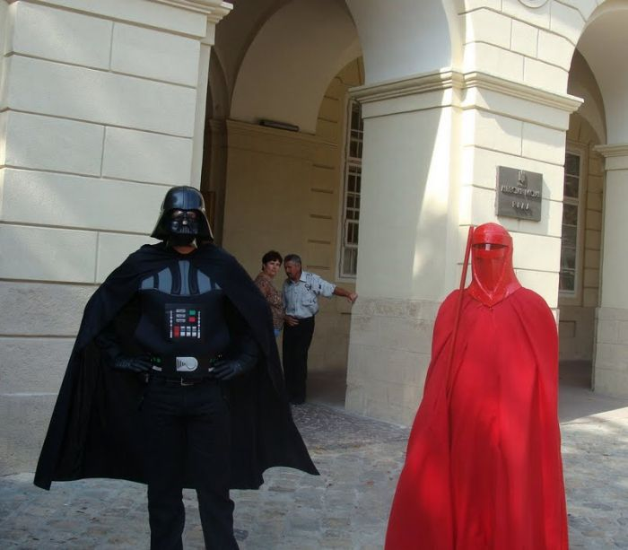 http://trinixy.ru/pics4/20090819/star_wars_wedding_25.jpg