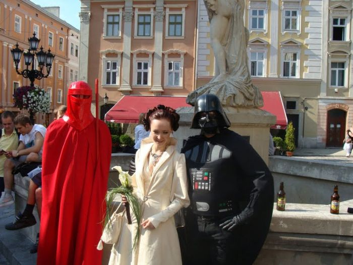 http://trinixy.ru/pics4/20090819/star_wars_wedding_31.jpg