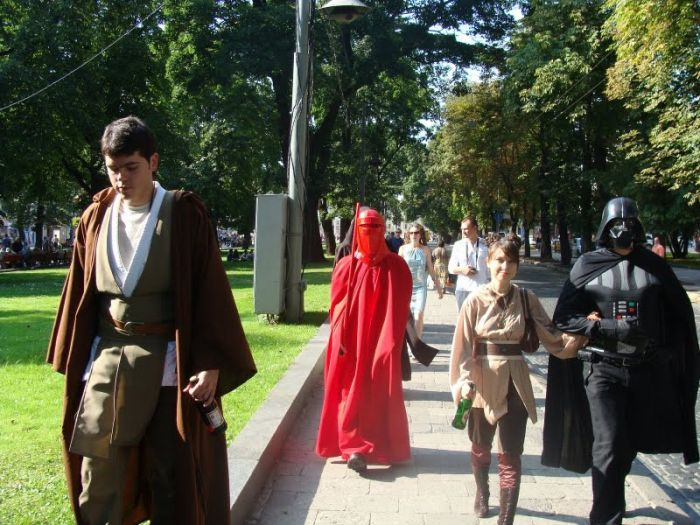 http://trinixy.ru/pics4/20090819/star_wars_wedding_35.jpg