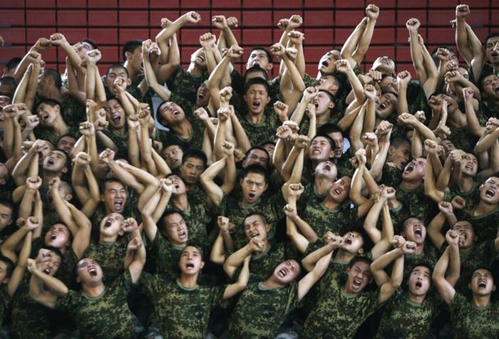 Китайская армия отжигает (12 фото)