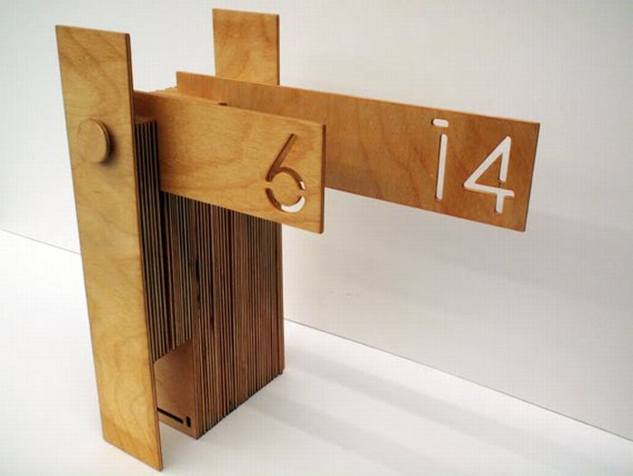 Необычный календарь (5 фото)