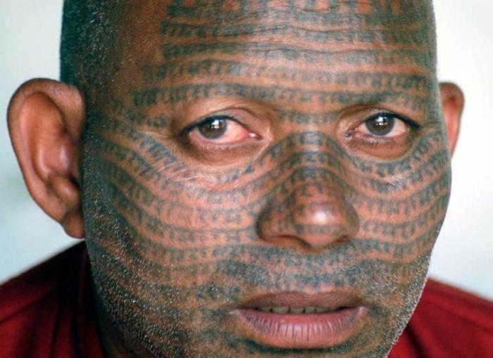Татуировки на лицах (13 фото)