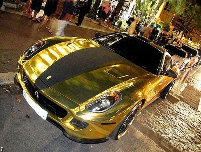 Золотой Ferrari 599 GTB (18 фото)