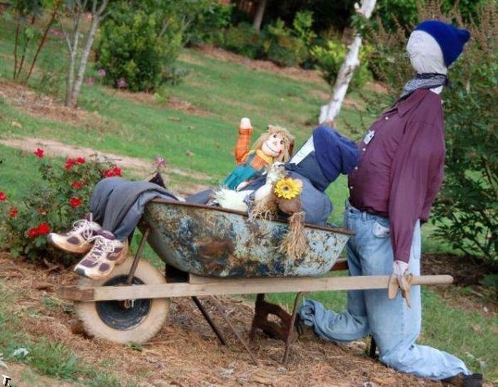 Изготовление чучела для огорода своими руками