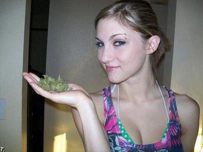 Девушки и марихуана 81 фото